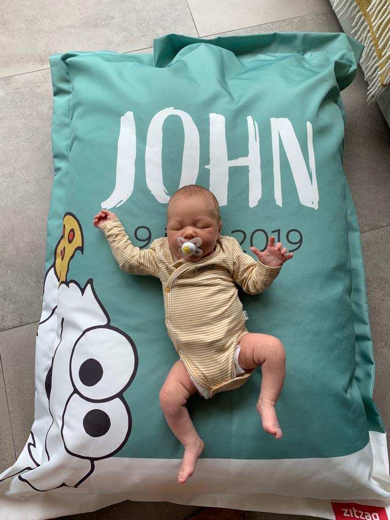 Baby Zitzak Met Naam.Zitzak Als Uniek Kraamcadeau In De Stijl Van De Geboortekaart